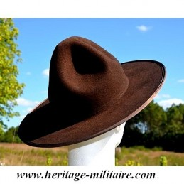 """Hat """"The campaign"""" brown"""