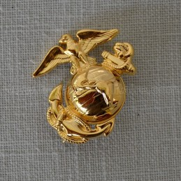"Insignia for enlisted cap US Marines ""dress uniform"" WWII"