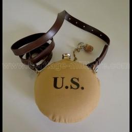 """Gourde marquée """"US"""" beige..."""