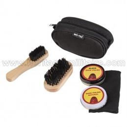 Travel shoe polish kit