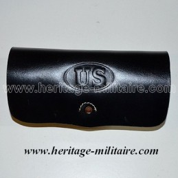 "Carbine cartridge box with ""US"""