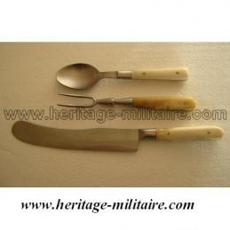 Eating utensils of officer