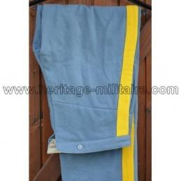 Pantalon bleu ciel clair