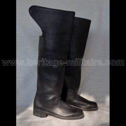 Cavalry boots model n°3 with round toe.