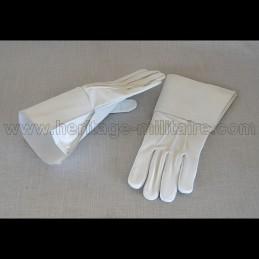 Gants de cavalerie blanc en cuir à crispins